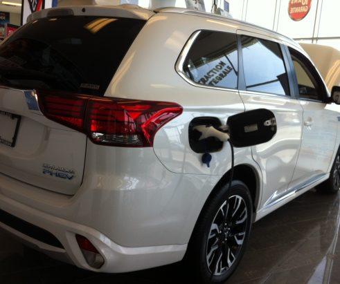 Ottawa mise sur les véhicules à émission zéro